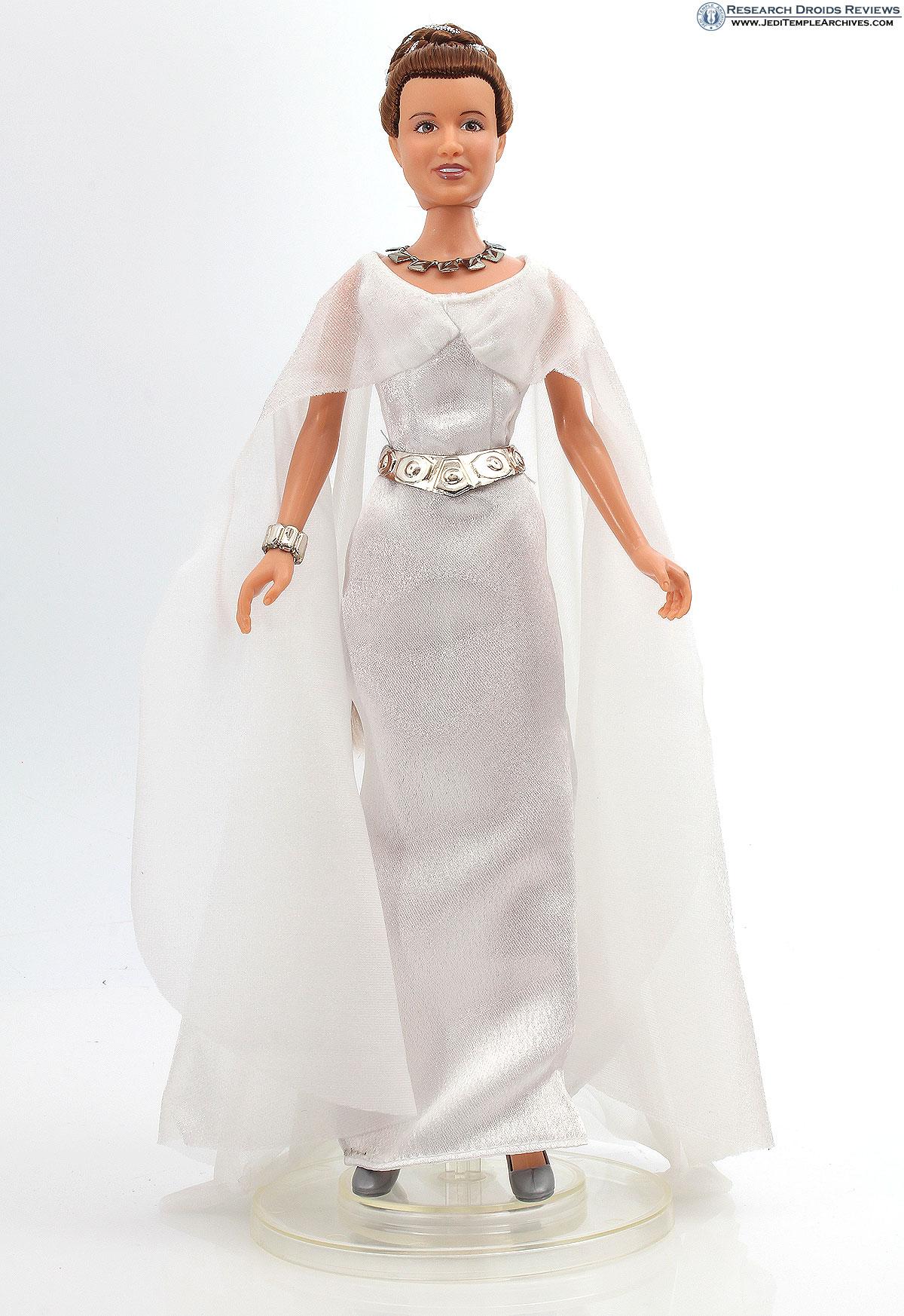 Princess Leia (Ceremonial Outfit) -
